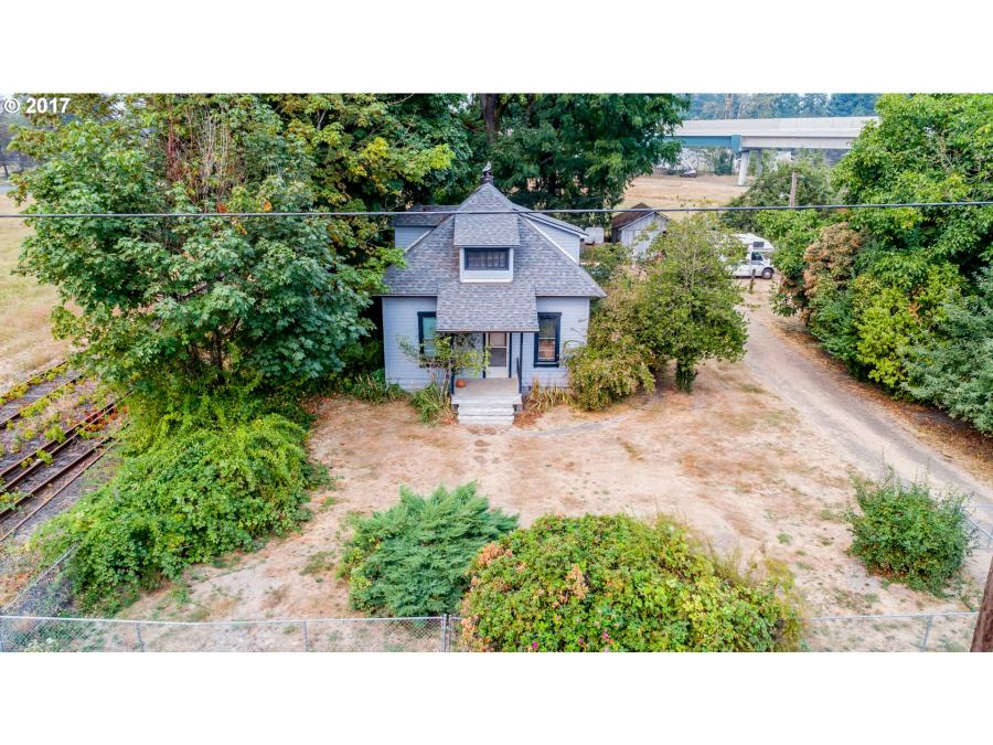 1303 S River St Newberg, OR 97132