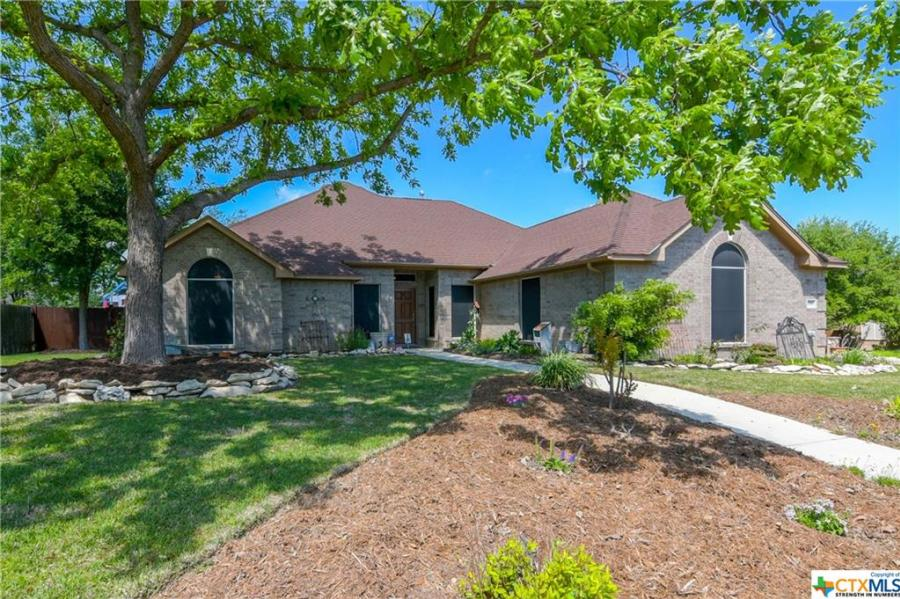 1316 Dime Box Circle New Braunfels, TX 78130